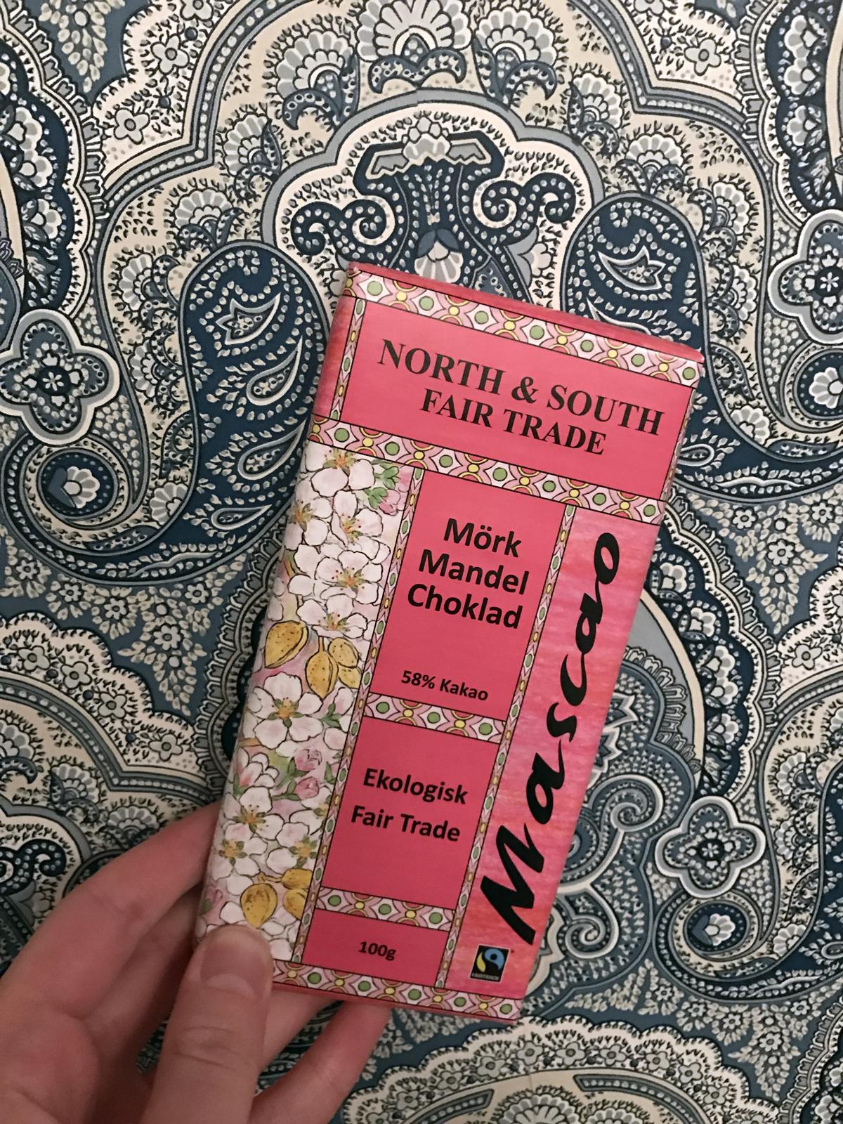 North & South Fair Trade Mörk Mandelchoklad